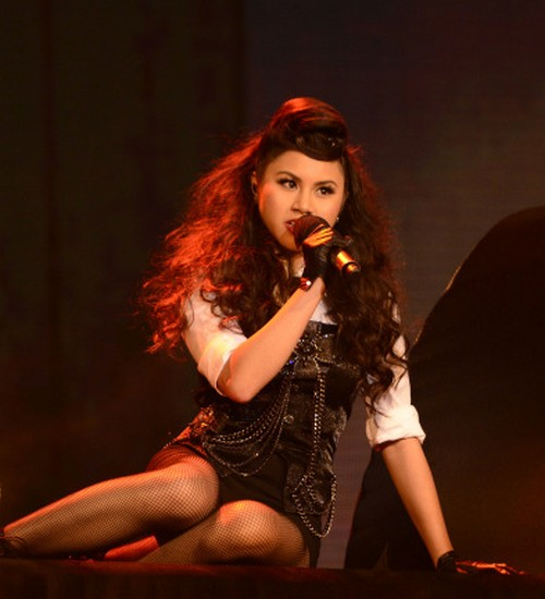"Ellona Santiago The X Factor ""Mamma Knows Best"" Video 11/27/13 #TheXFactorUSA"