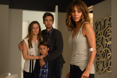 "Extant Recap 9/9/15: Season 2 Finale ""Double Vision/The Greater Good"""