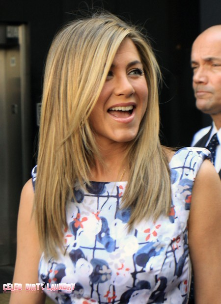 Jennifer Aniston Pretends Her Beauty Is Natural And Cheap