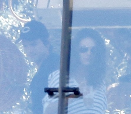 Just Friends? Ashton Kutcher And Mila Kunis Finally Caught Cuddling (Photos) 0701
