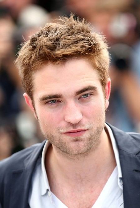 Robert Pattinson Parties Hard and Ignores Kristen Stewart