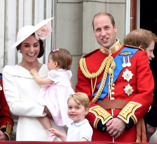 Kate Middleton Stollergate: Carole Middleton Demands Prince George Out'n'About Sport Stroller In Discontinued Color