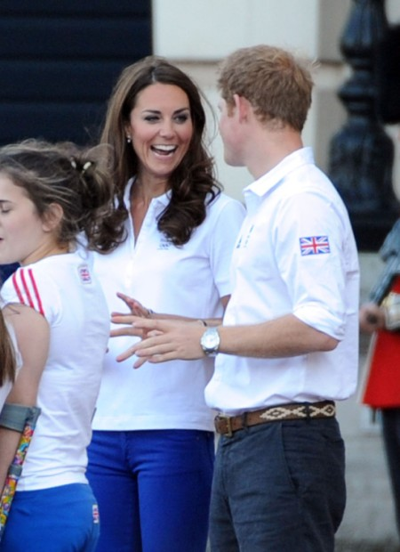 Kate Middleton And Prince Harry Flirt As They Welcome Olympic Torch (Photos) 0727