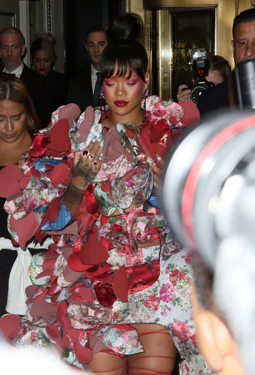52393467 Guests head out to the 2017 Met Gala which is being held at the Anna Wintour Costume Center. FameFlynet, Inc - Beverly Hills, CA, USA - +1 (310) 505-9876