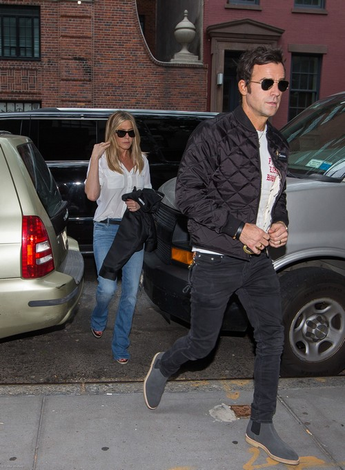 Jennifer Aniston Regains Leverage In Justin Theroux Marriage: Brad Pitt's Contact With Jen Sends Justin a Message