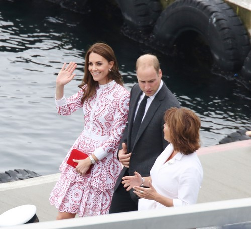 Kate Middleton Fighting Prince William: Royal Couple Living Separate Lives Due To Queen Elizabeth's Demands?
