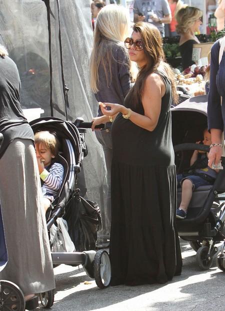 Pregnant Kourtney Kardashian And Son At The Farmers Market