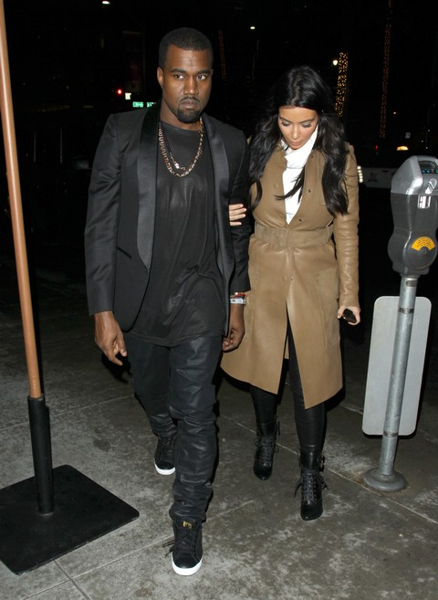 Pregnant Kim Kardashian Seen At OB-GYN Office With Kanye West - Report (Photos)