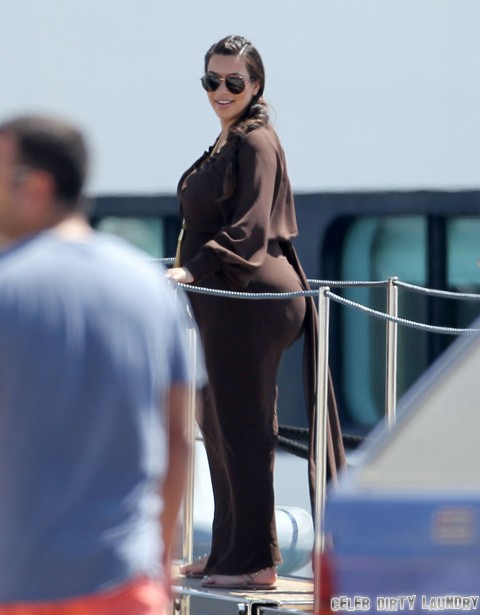 The Kardashians Vacation In Greece Celeb Dirty Laundry