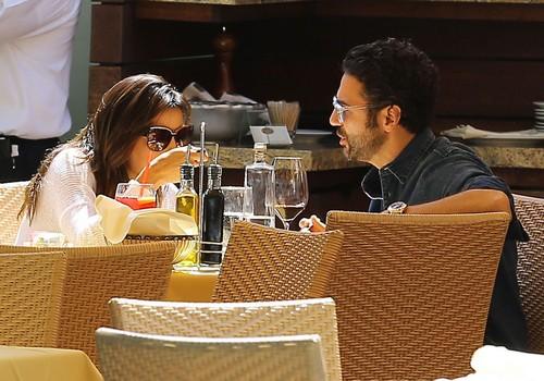 Exclusive... Eva Longoria & Her Boyfriend Dine Out