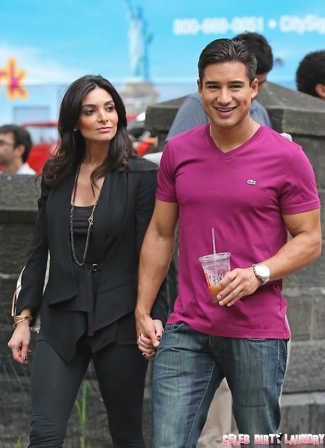 Mario Lopez And Girlfriend Courtney Laine Mazza Walk To