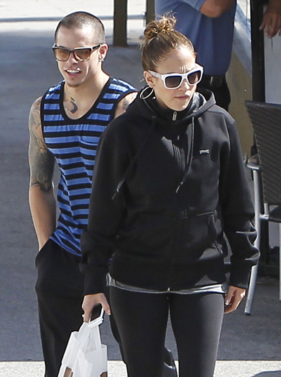 Is Casper Smart Pushing Away Jennifer Lopez's Friends?