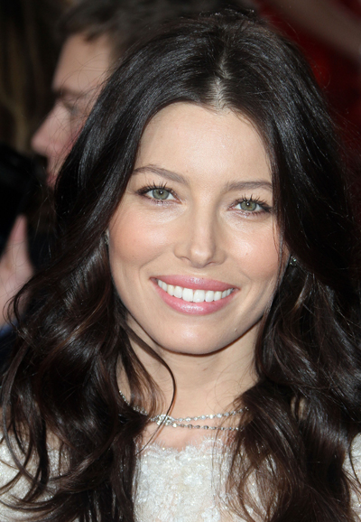 Finally! Jessica Biel Shows Off Her Gigantic Engagement Ring To The World