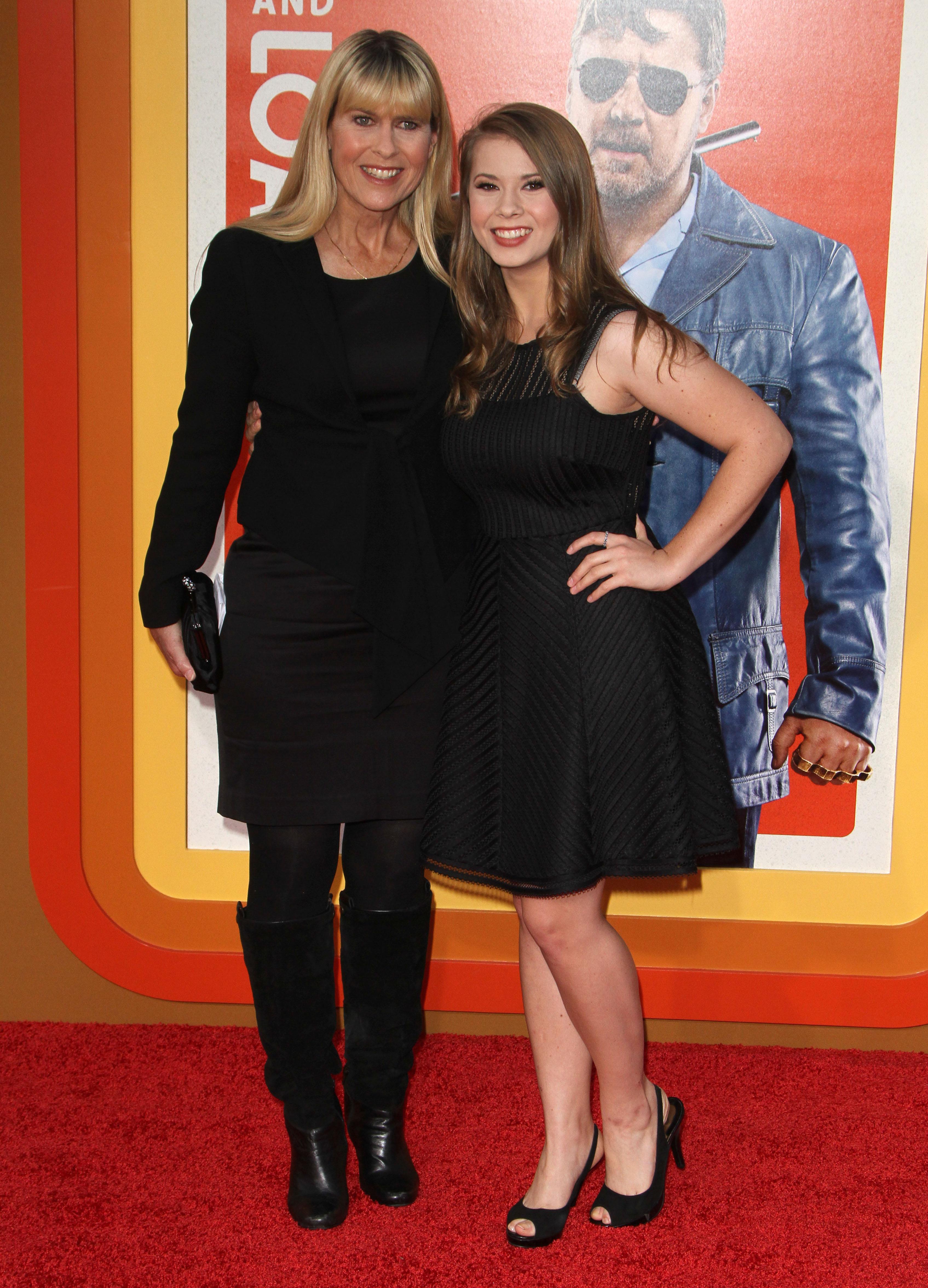 Terri Irwin and Russell Crowe Wedding: Trying to Beat Daughter Bindi Irwin Down the Aisle?