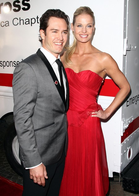 Mark-Paul Gosselaar's Wife: Discovering Catriona McGinn1