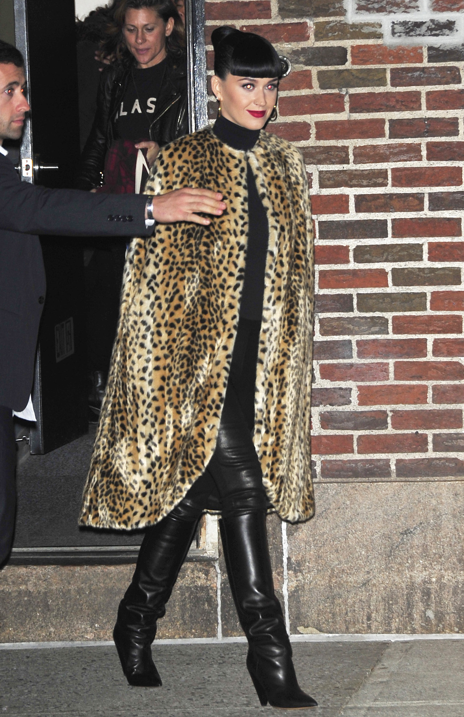 Taylor Swift Trolled By Katy Perry With Leopard Jacket: Singer Igniting Another Public Feud?