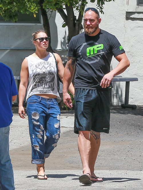 Rhonda Rousey Engaged To Travis Browne: No Flowers For Wedding