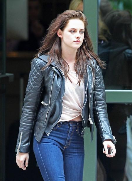Kristen Stewart On Breaking Dawn Sex Scenes: Thrusting Is A Huge Problem!