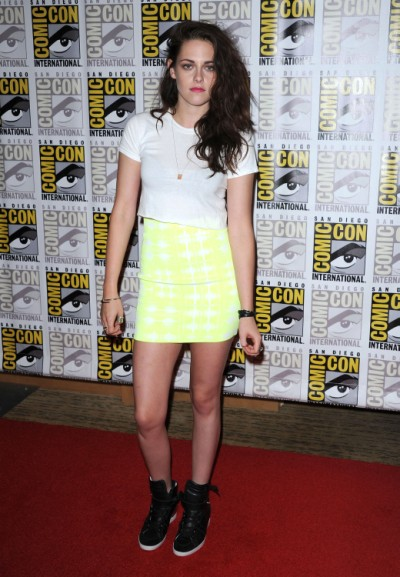 Titillating Report: Kristen Stewart Boob Job Debut At Comic-Con (Photos) 0717