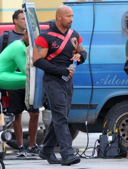 DC Superhero Dwayne 'The Rock' Johnson As The Green Lantern?