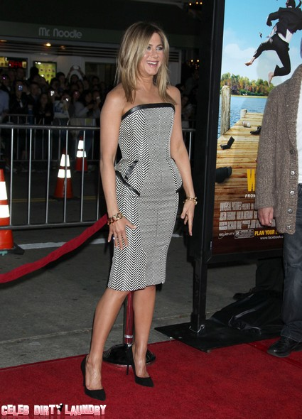 Jennifer Aniston Rocks The Carpet For Wanderlust Premiere (Photos)