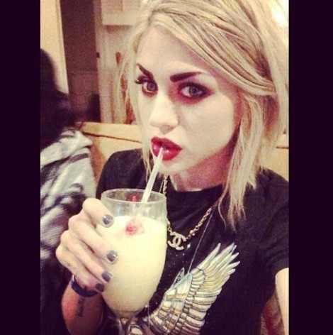 Frances Bean Cobain Feuding With Kendall Jenner, Calls Her A F*cking Idiot 0523