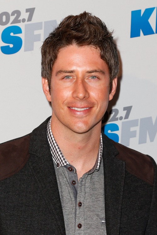 The Bachelor Arie Luyendyk Jr Claps Back At Jef Holm Criticism