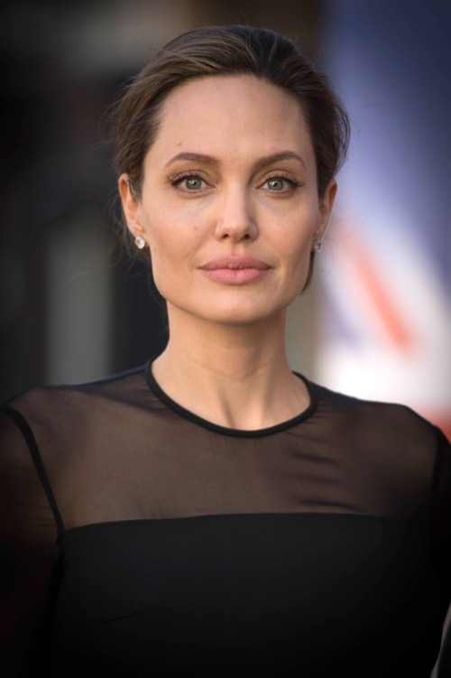 Angelina Jolie Desperate To Win Brad Pitt Back - Brad Refuses?