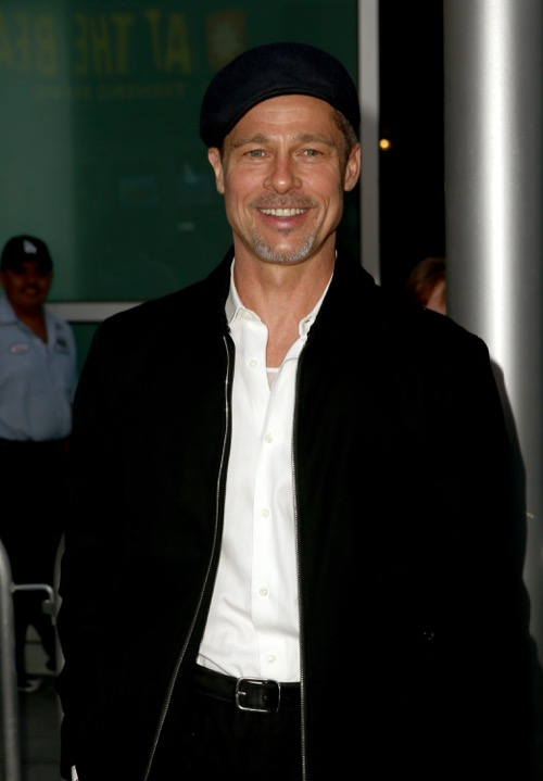 Brad Pitt Apologized To Jennifer Aniston For Cheating With Angelina Jolie?