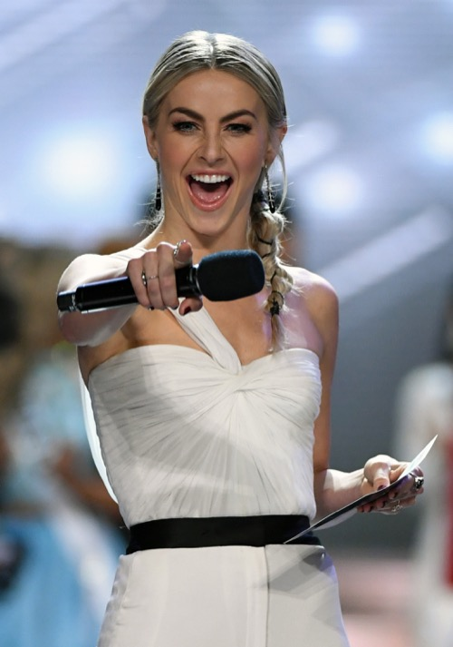 Did Julianne Hough Save Her Virginity For Brooks Laich?