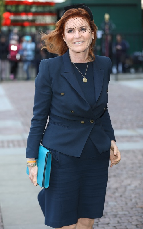 Sarah Ferguson's Bizarre Behavior: Displays Love Note From Princess Beatrice and Princess Eugenie in Private Car