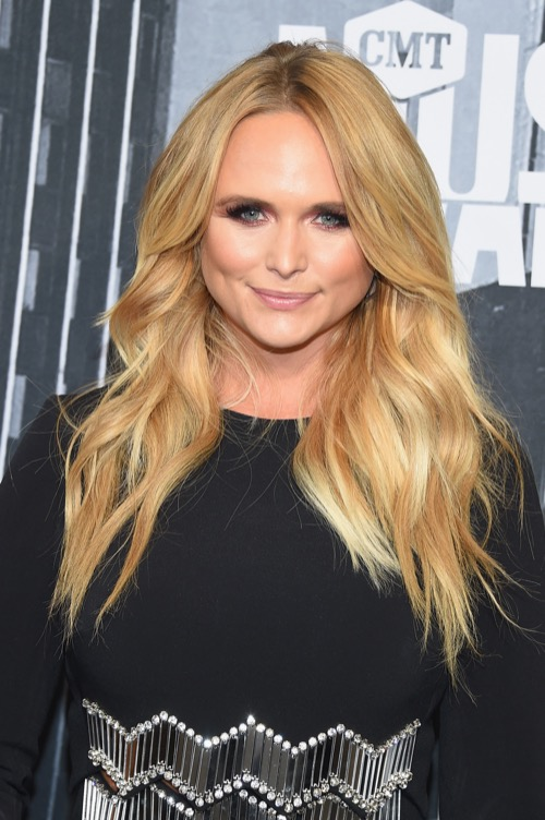 Miranda Lambert Rescues Hundreds Of Desperate Dogs Displaced by Hurricane Harvey