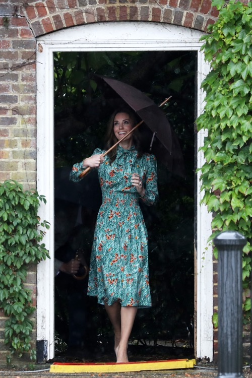 Kate Middleton Not Amused Meghan Markle Picks Pippa
