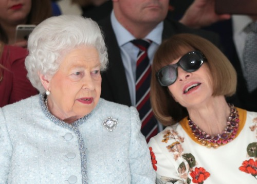 Did Anna Wintour Disrespect Queen Elizabeth By Refusing To Take Off Sunglasses At London Fashion Week?