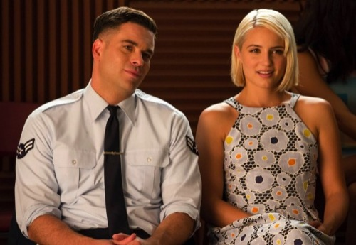 "Glee Recap 1/9/15: Season 6 Episode 1 Premiere ""Loser Like Me/ Homecoming"""