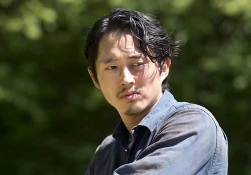 The Walking Dead Season 6 Spoilers – Glenn's Faked Death Fan Backlash - The Call For Help Revealed