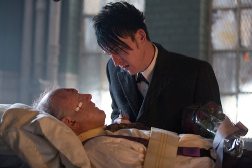 "Gotham Recap 9/21/15: Season 2 Episode 1 Premiere ""Damned If You Do..."""