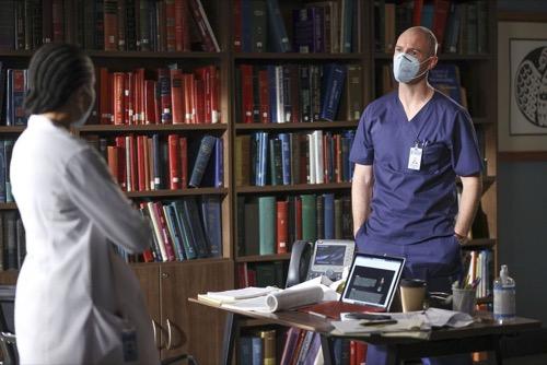 "Grey's Anatomy Recap 04/08/21: Season 17 Episode 11 ""Sorry Doesn't Always Make It Right"""