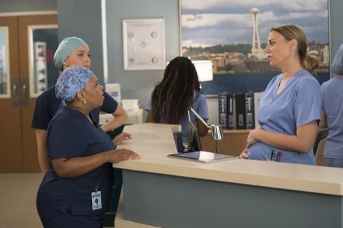 "Grey's Anatomy Recap 10/03/18: Season 15 Episode 3 ""Gut Feeling"""