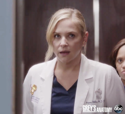 "Grey's Anatomy Winter Premiere Recap 1/26/17: Season 13 Episode 10 ""You Can Look"""