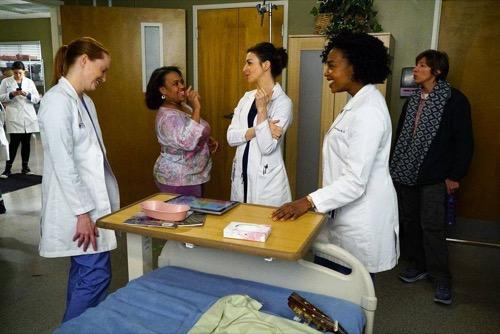 """Grey's Anatomy Recap 4/7/16: Season 12 Episode 17 """"I Wear the Face"""""""