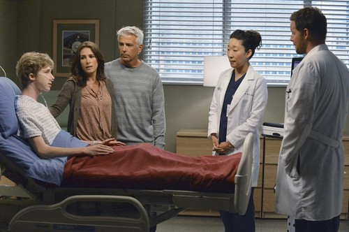 "Grey's Anatomy RECAP 10/3/13: Season 10 Episode 3 ""Everybody's Crying Mercy"""