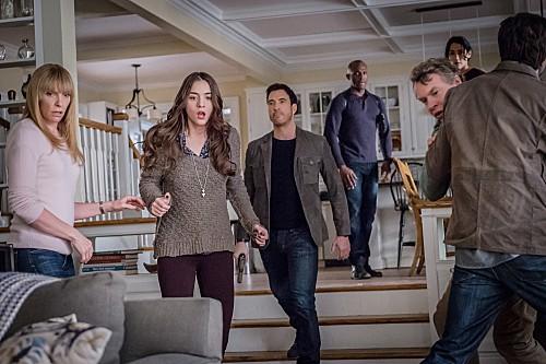 "Hostages RECAP 12/16/13: Season 1 Episode 13 ""Fight or Flight"""