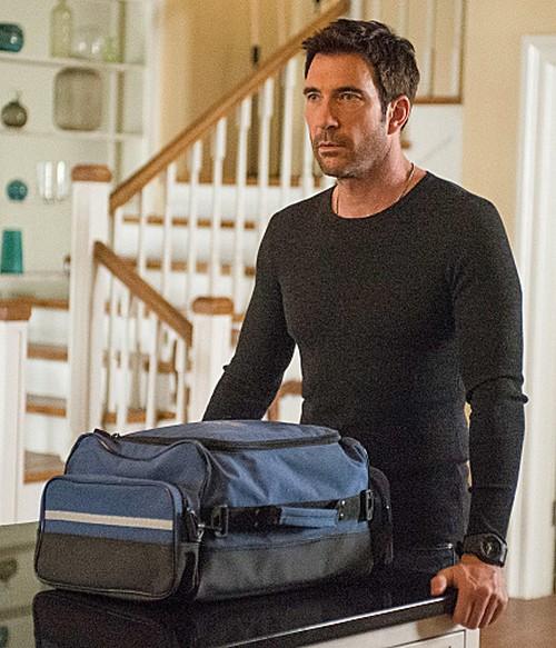 "Hostages RECAP 10/14/13: Season 1 Episode 4 ""2:45 PM"""
