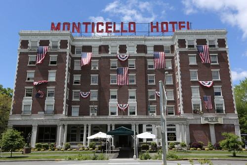 "Hotel Hell Recap 7/28/14: Season 2 Episode 2 ""Monticello Hotel"""