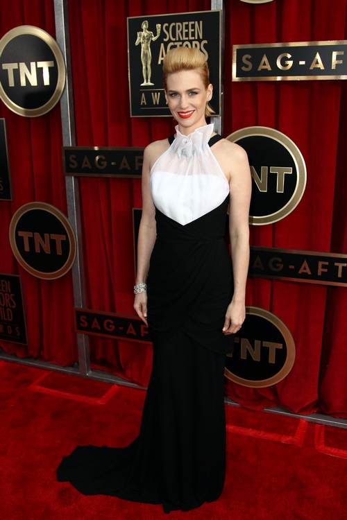 January_Jones_SAG_Awards_Red_Carpet