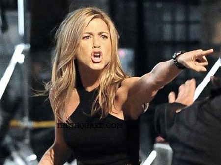 Jennifer Aniston Furious: Cameron Diaz Steals Gambit Role!