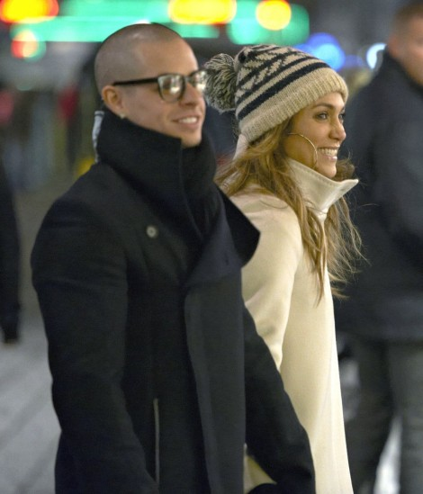 Jennifer Lopez Pregnant, Baby Bump Finally Showing! (Photos) 1130