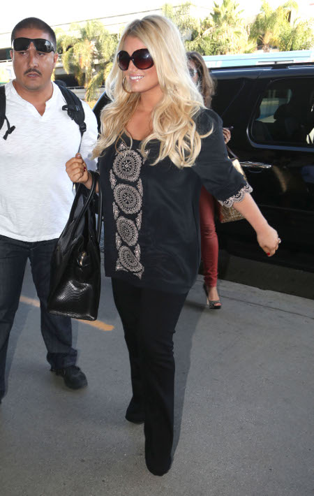 Jessica Simpson Working Toward Weight Watchers Goal -- Is She Failing? (Photos)