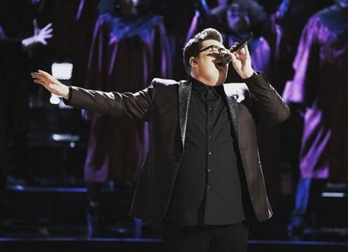 WATCH Winner Jordan Smith and Usher Duet 'Without You' on The Voice Season 9 Finale Video